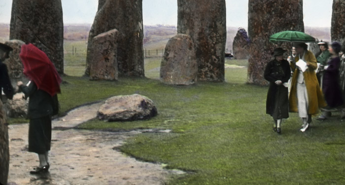 Frank Waugh image of tourists at Stonehenge