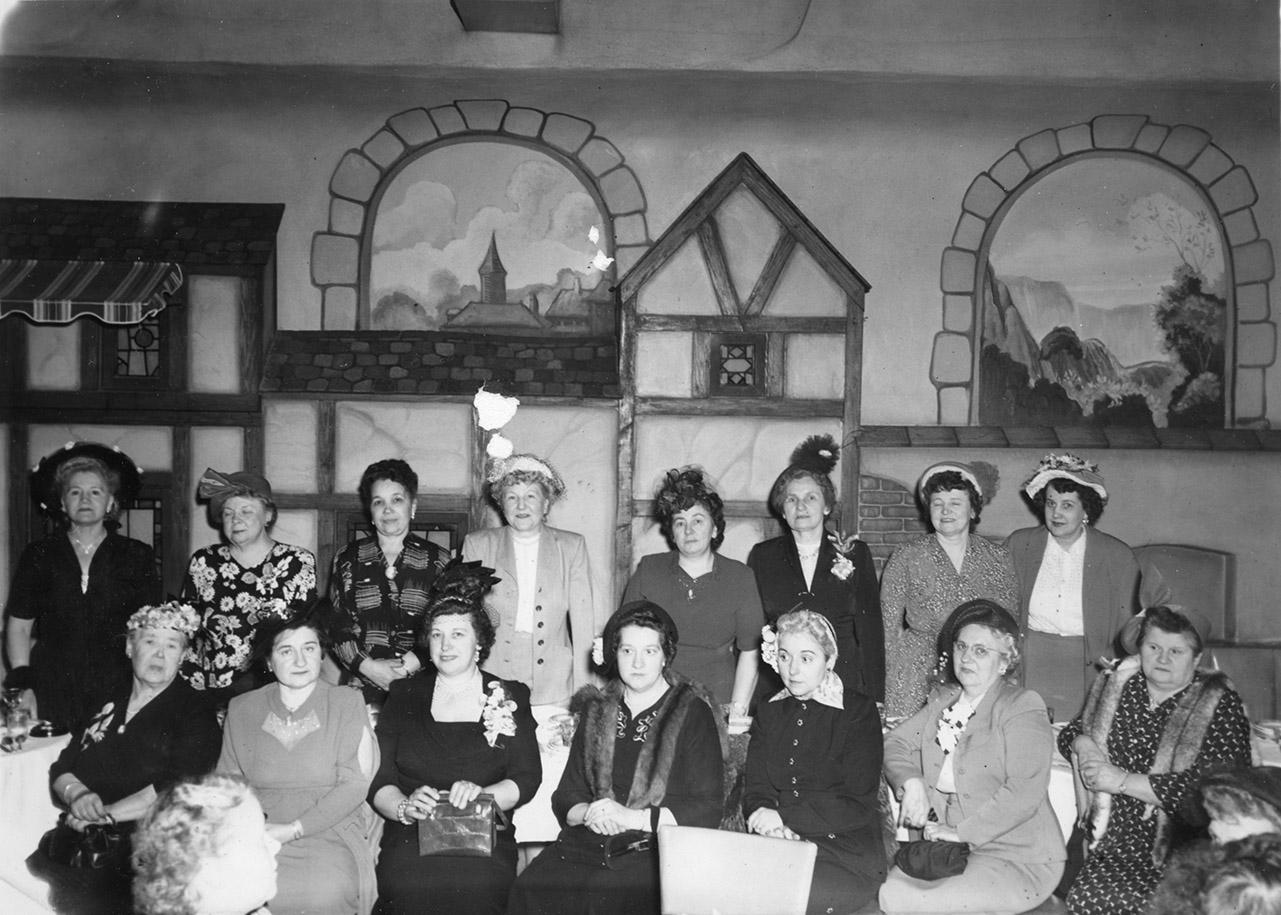 An image of: Ognisko Polek, outing to Blinstrub's Village nightclub, 1950
