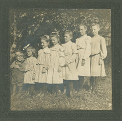 Image of Kingsbury children, ca.1910