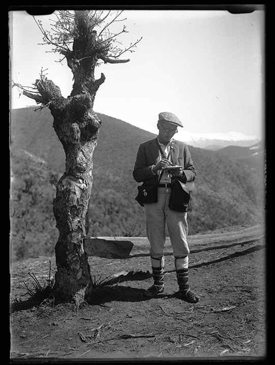 Joseph Obrebski, 1932