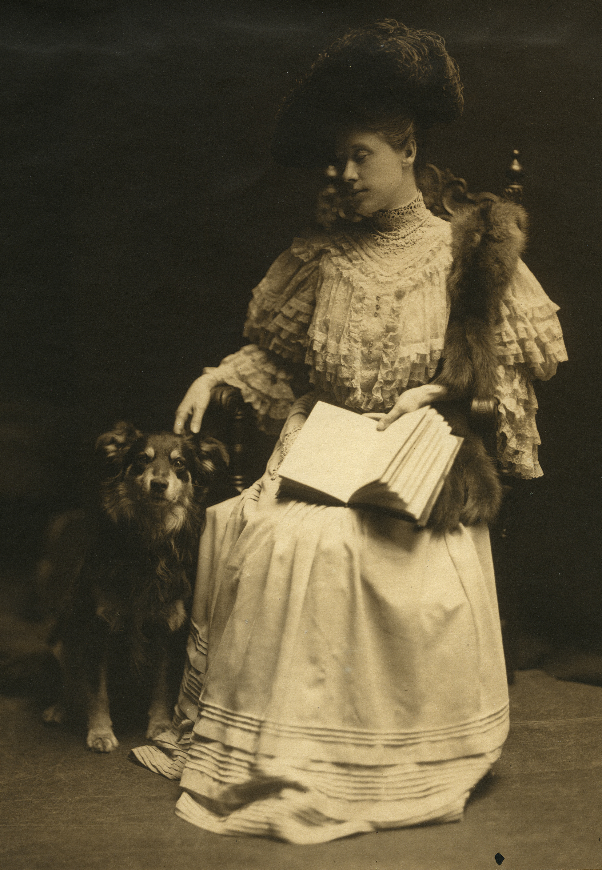 Image of Florence Porter Lyman with her dog (from the Lyman Family Papers)