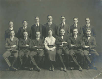 Depiction of Collegian editorial staff, 1921-1922